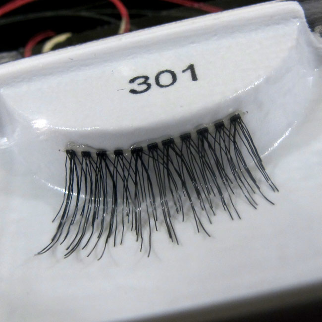 Ardell 301 Lashes Up Close