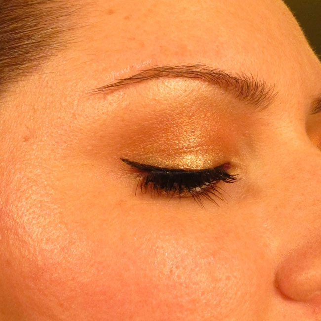 Golden Eyeshadow Look
