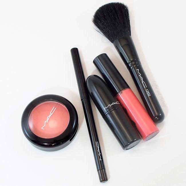 Mac Divine Desire: Quite Coral Full Face Kit