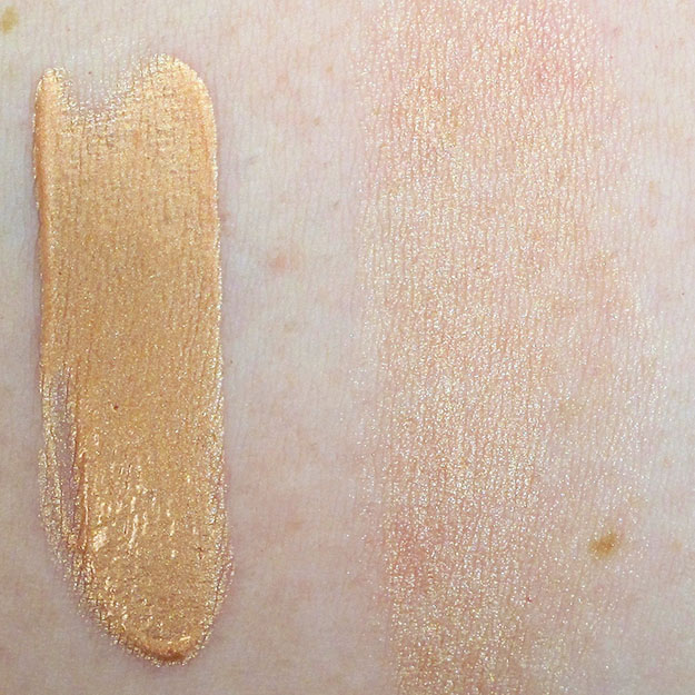 NYX Born to Glow Liquid Illuminator in Gleam Swatch