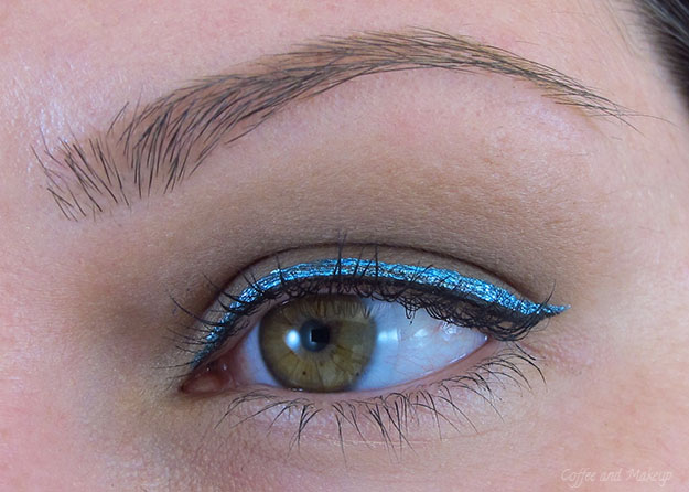 NYX Glam Azure Glam Liner Aqua Luxe Swatch