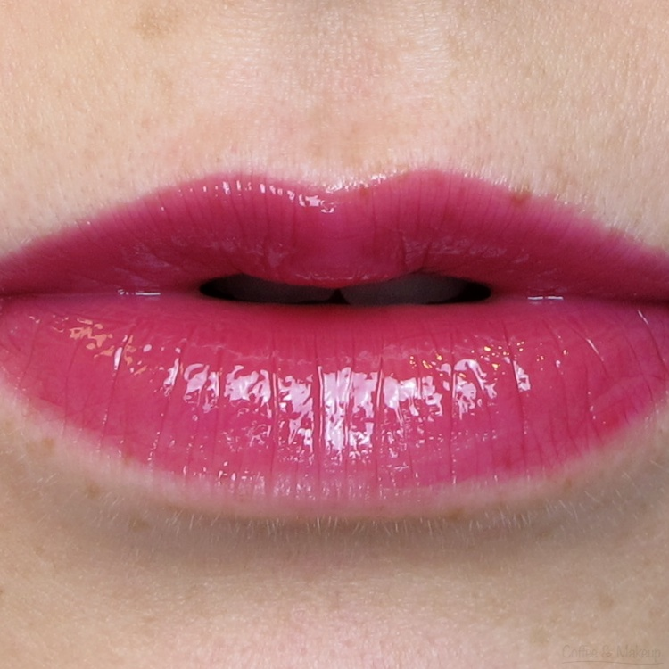 Maybelline Raspberry Ablaze High Shine Lip Gloss Lip Swatch