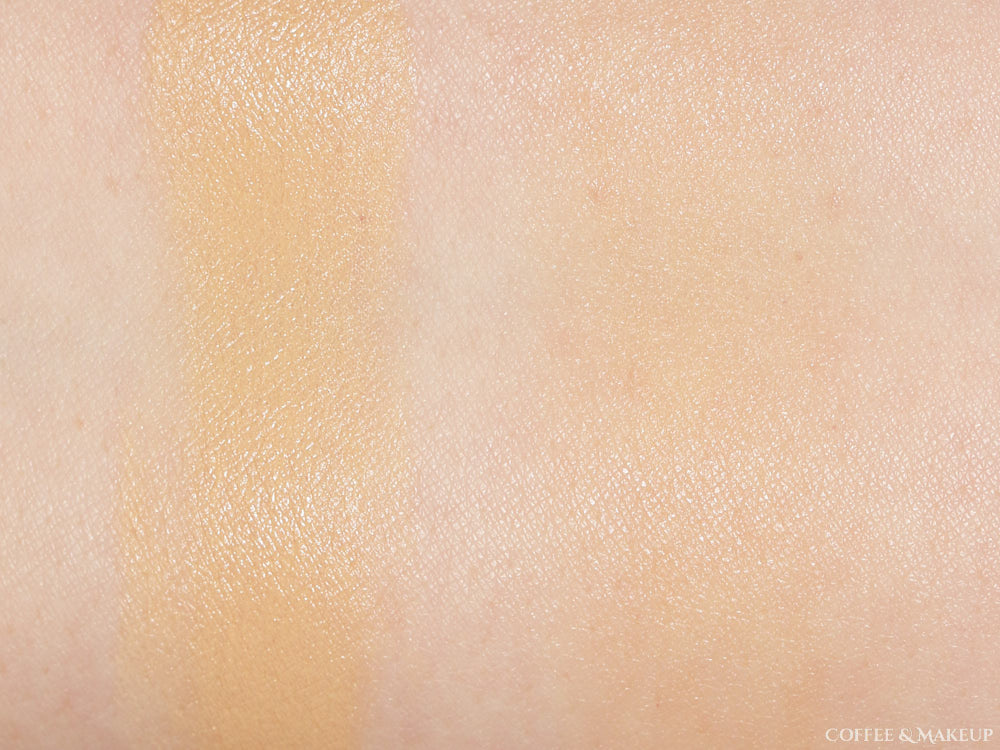 Physicians Formula Cushion Foundation in Light Swatch