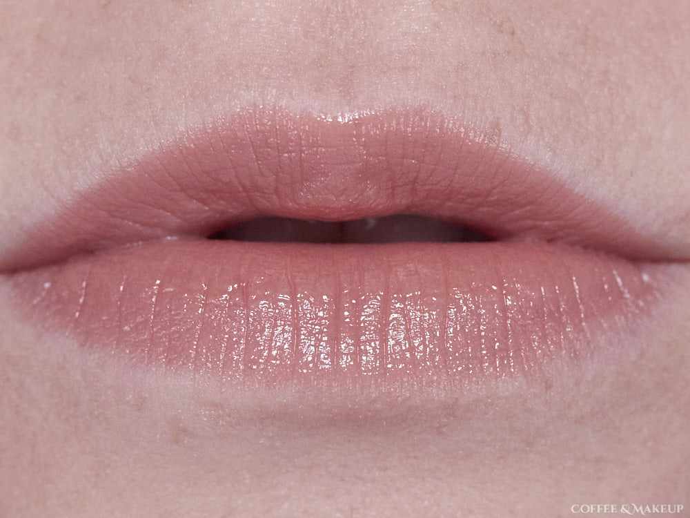700 HD Sand (Revlon Ultra HD Gel Lip Color)