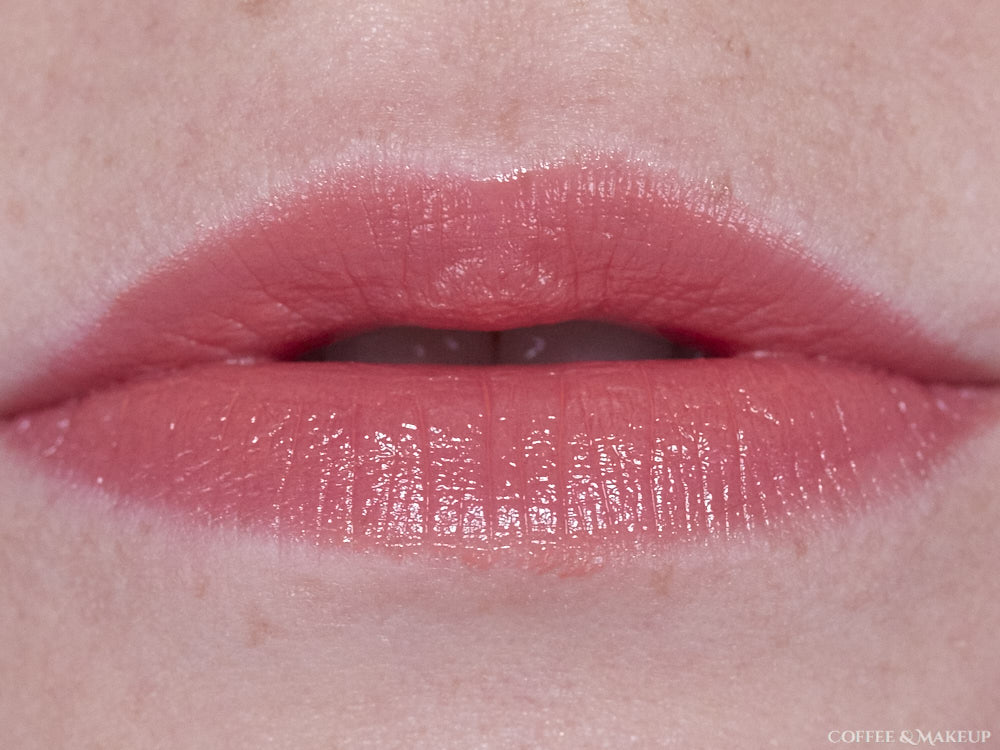 740 HD Coral (Revlon Ultra HD Gel Lip Color)