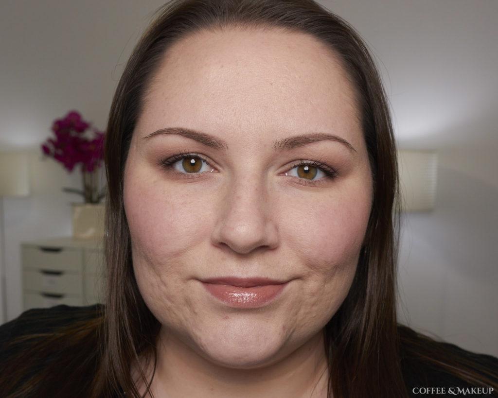 900 Glossy Fawn | L'Oréal Colour Riche Shine Lipstick