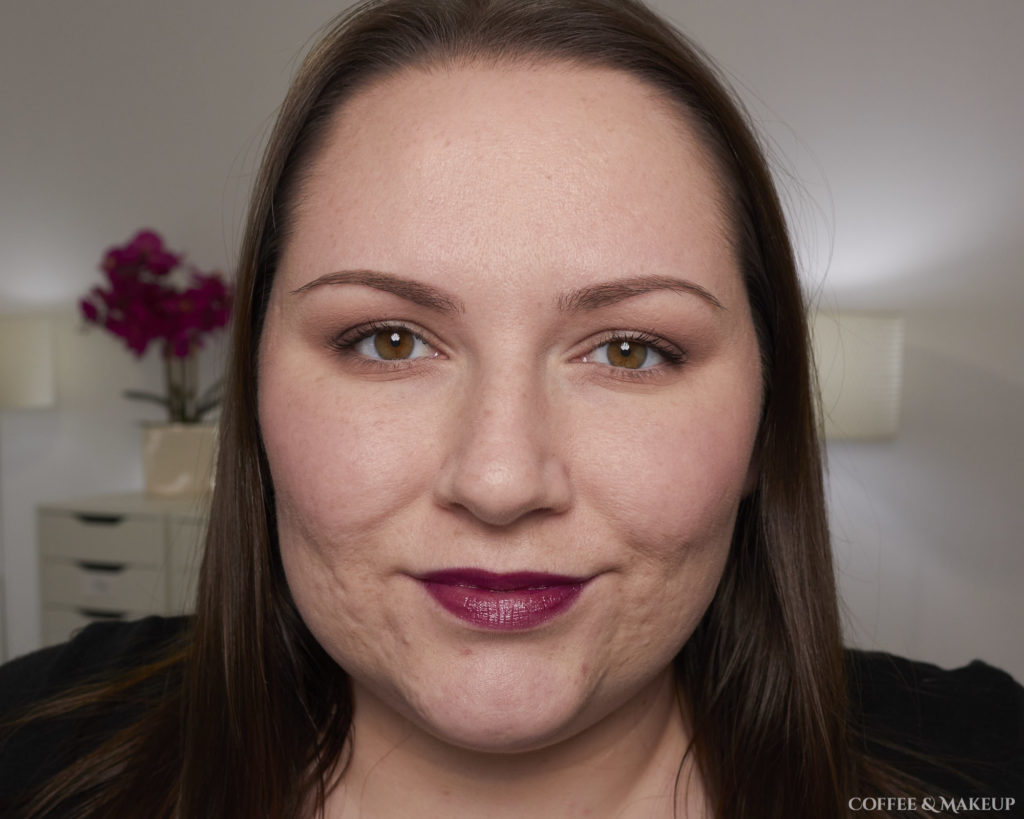 930 Splendid Blackberry | L'Oréal Colour Riche Shine Lipstick