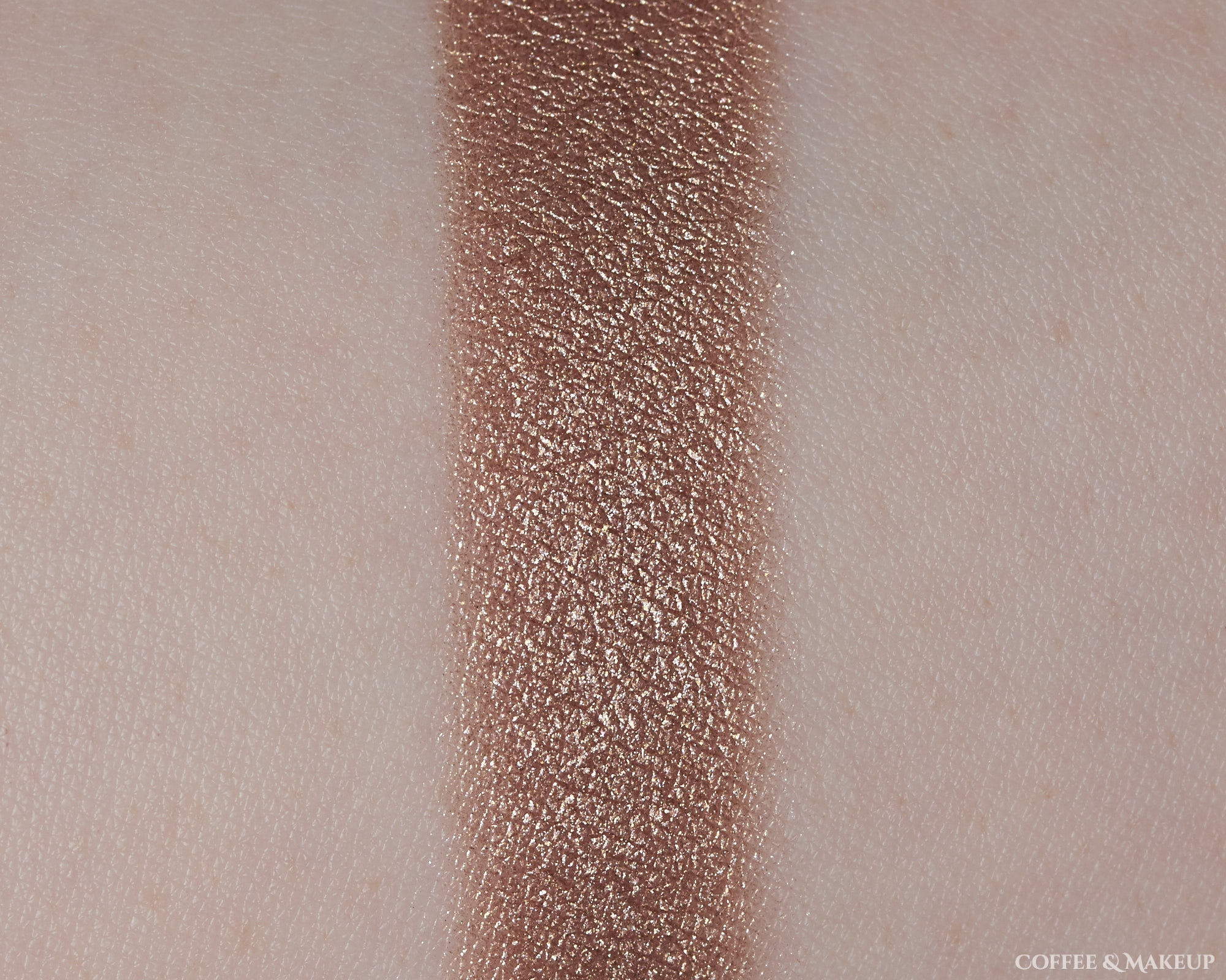 Shimmer Lid Shade | Maybelline Diamond District City Mini Palette