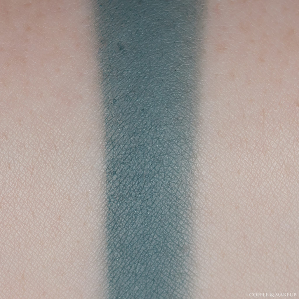 Blue Me Away | Makeup Geek Eyeshadow