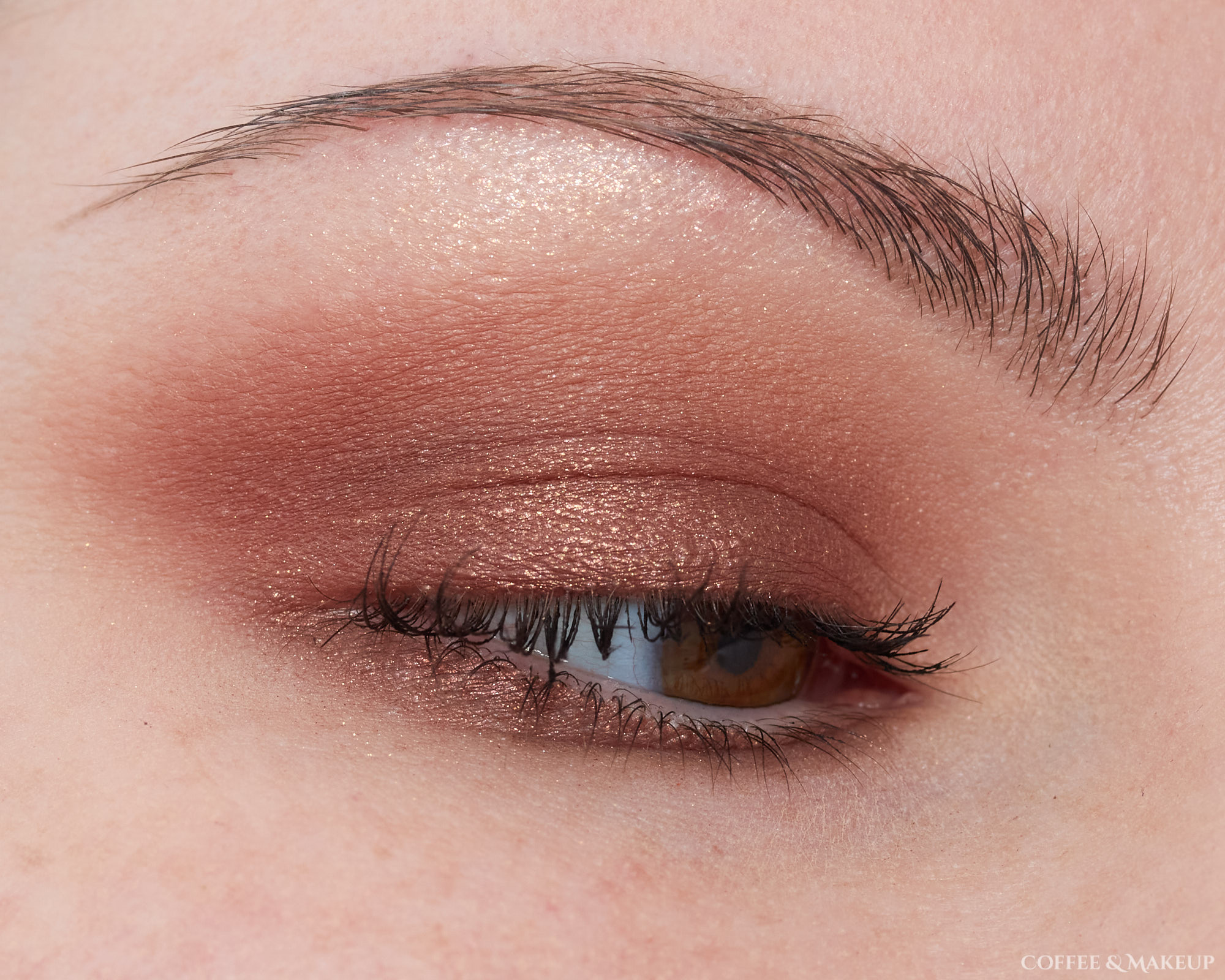 Too Faced Born This Way Natural Nudes Eyeshadow Palette Look