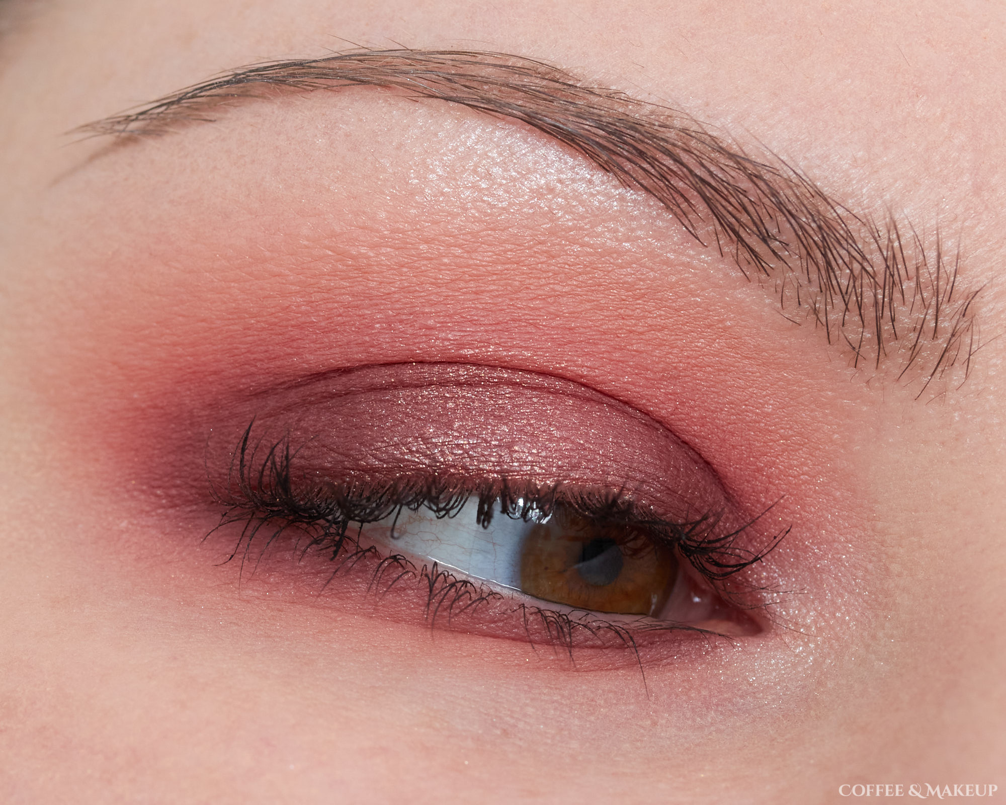 Ofra Sweet Dreams Signature Palette Look