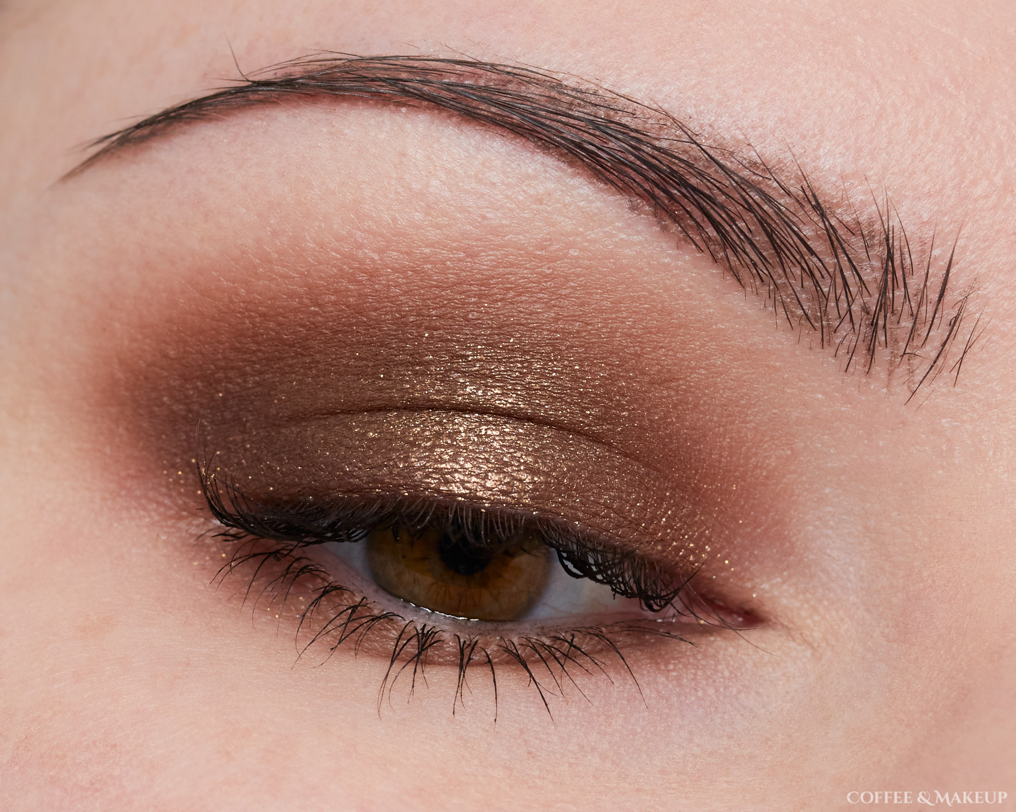 Huda Beauty Khaki Haze Palette Look #2
