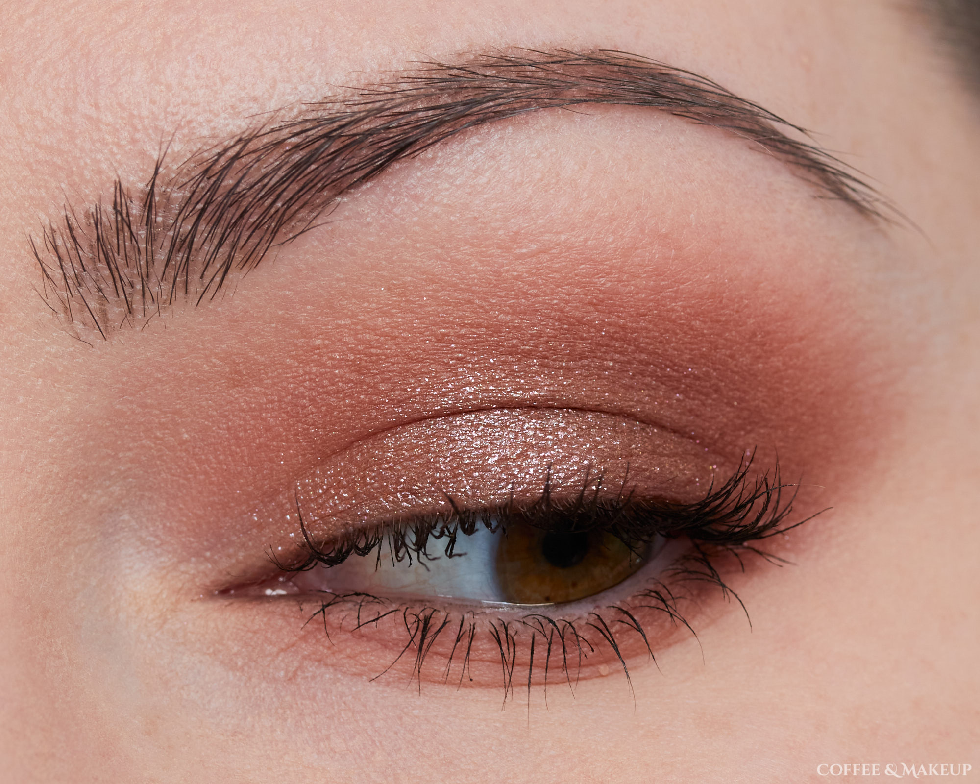 Huda Beauty Khaki Haze Palette Look #3