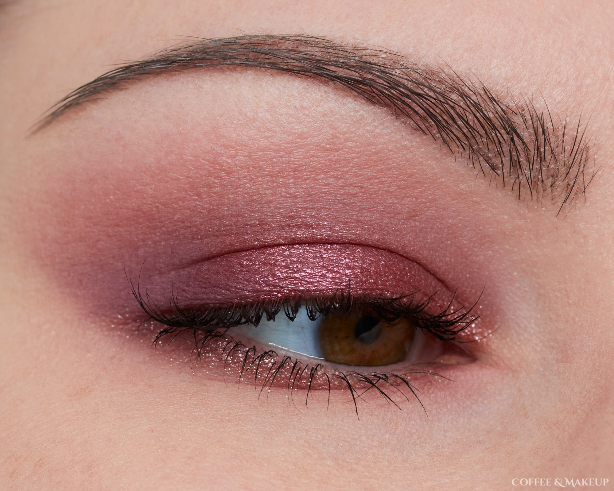 Huda Beauty Purple Haze Palette Look #1